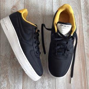 Nike Air Force 1 LX size 10